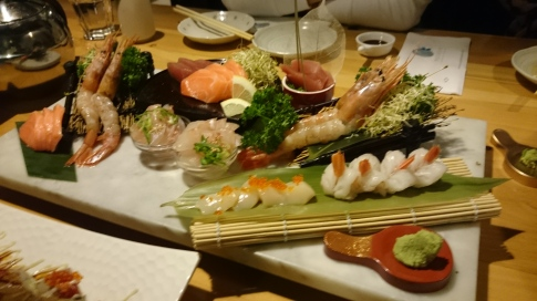 Sashimi moriawase (large assorted sashimi)